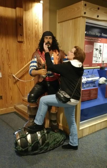 Blackbeard, oh, Blackbeard lend me your comb!
